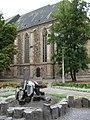 Small fountain at eastern end of St Sebastian Kirsche - geo.hlipp.de - 5289.jpg