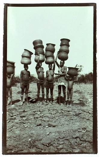Kisumu - Local inhabitants near Kisumu, 1911