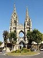 Soissons (02), abbaye Saint-Jean-des-Vignes, abbatiale, vue depuis le rond-point de la rue Saint-Jean 1.jpg