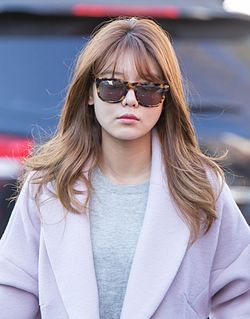 Sooyoung Choi heading to SBS Gayo Daejun rehearsal on December 2014.jpg