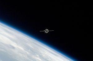 Soyuz TMA-14 - Soyuz TMA-14 approaches the International Space Station on 28 March 2009.