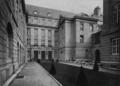 Städtische Lessingrealschule an der Ellerstraße zu Düsseldorf (1913), Innenhof an der Ellerstraße.png