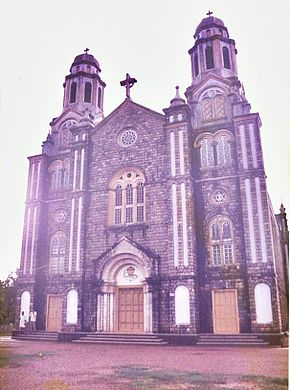 St. Marys Cathedral Trivandrum Fassade 2.jpg