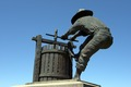 Statue of a worker at a wine press in Napa Valley, California LCCN2013633077.tif