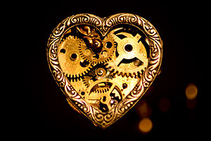"English: Steampunk heart pendant(2½""x¼&qu..."