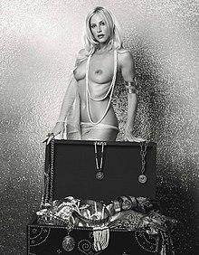 Stefania Orlando in una foto glamour di Alberto Magliozzi