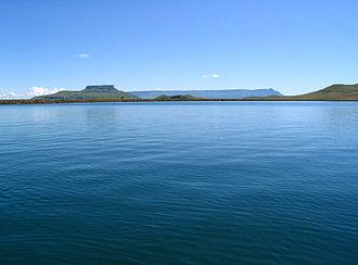 Harrismith - Sterkfontein Dam with Platberg's plateau forming the horizon