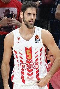 Stratos Perperoglou 5 KK Crvena zvezda EuroLeague 20191010 (1) (cropped).jpg