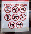 Strict interzis.jpg