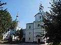 Sumy - Voskresenska church with belltower.jpg