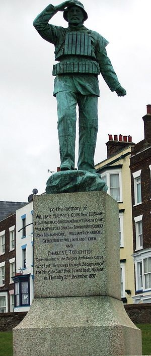 History of Margate - Memorial to the coxswain and crew of the Friend to all Nations, Nayland Rocks, Margate