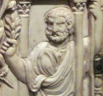 Quintus Aurelius Symmachus - Probable depiction of Q. Aurelius Symmachus from an ivory diptych depicting his apotheosis.