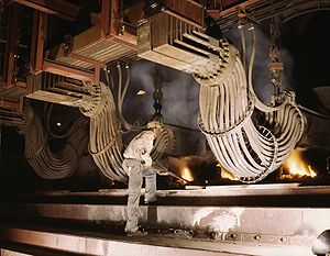 Electric phosphate smelting furnace in a TVA chemical plant (1942)