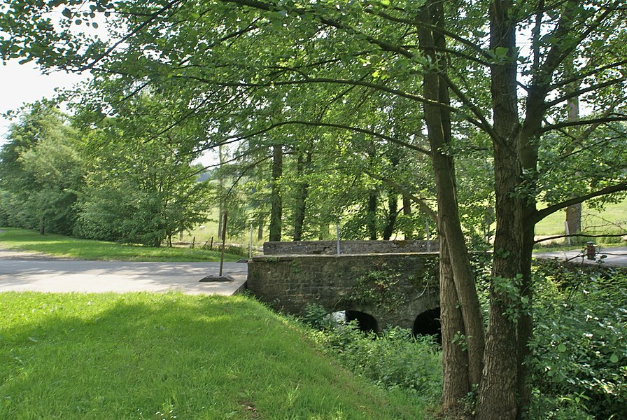 Tavier (Belgium): Bridge over the river Magrée