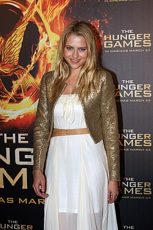 Teresa Palmer - Palmer at The Hunger Games Sydney Premiere And Review