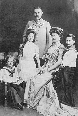 Archduke Franz Ferdinand of Austria - Archduke Franz Ferdinand with his wife Sophie, Duchess of Hohenberg, and their three children (from left), Prince Ernst von Hohenberg, Princess Sophie, and Maximilian, Duke of Hohenberg, in 1910