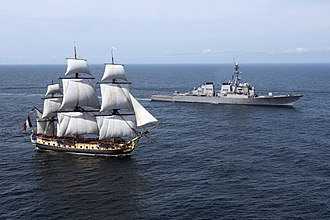 French frigate Hermione (2014) - Hermione welcomed in US waters by USS ''Mitscher''.