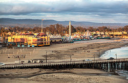 The last bit of light hits the Santa Cruz Beach Boardwalk (8420773787).jpg