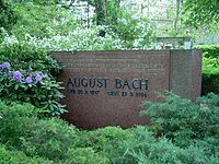 Tombstone August Bach.jpg