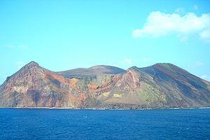 Tori-shima (Izu Islands) - Image: Torishima 07 02