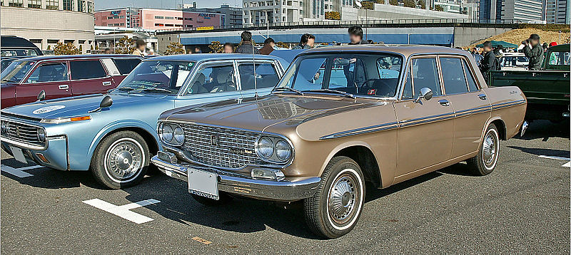 800px-Toyopet_Crown_RS41_001.jpg