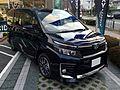 Toyota VOXY ZS (R80W) front.JPG