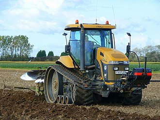 Continuous track - An agricultural tractor with rubber tracks