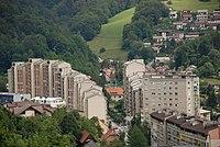 Trbovlje - ulica Sallaumines, stanovanjski bloki.jpg