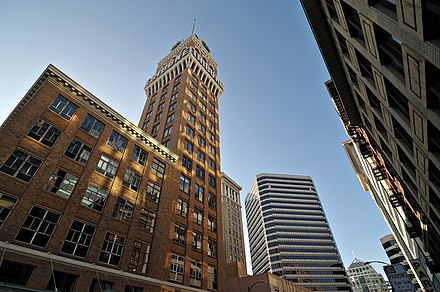 The iconic Tribune Tower, from 13th St. and Franklin St. in Downtown Tribune Tower in Downtown Oakland, Jan 2009, by Hitchster.jpg