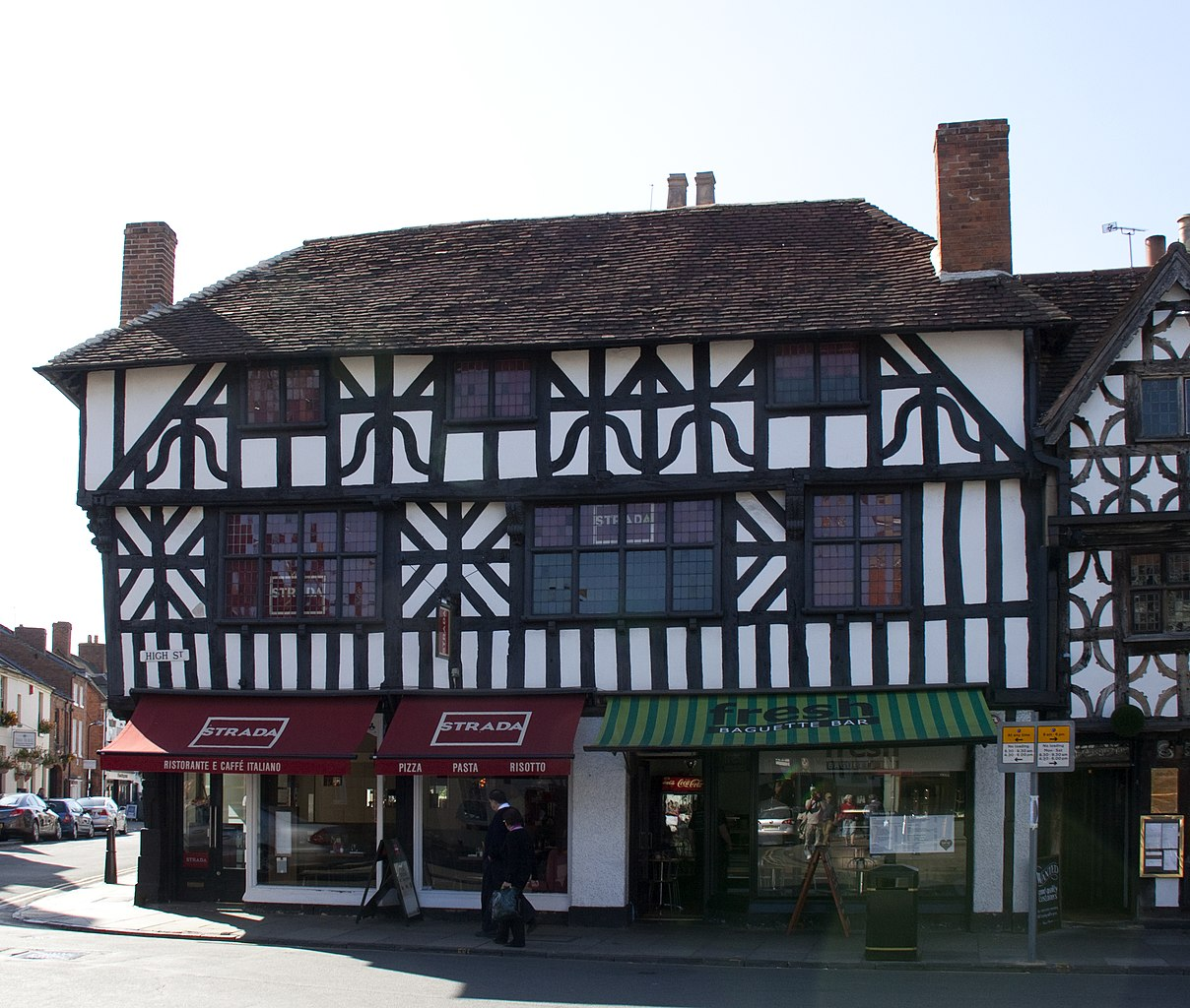 File tudor house stratford 5664646469 jpg wikimedia for Tudor house
