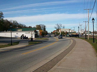 U.S. Route 67 in Iowa - US 67 follows a bend in the Mississippi River north in Le Claire