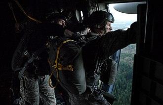 Jumpmaster - Image: US Army Jumpmaster School