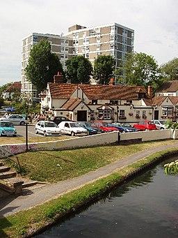 Uxbridge - canal, pub and flats - geograph.org.uk - 20500