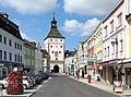 Vöcklabruck - Vorstadt mit Stadtturm.JPG