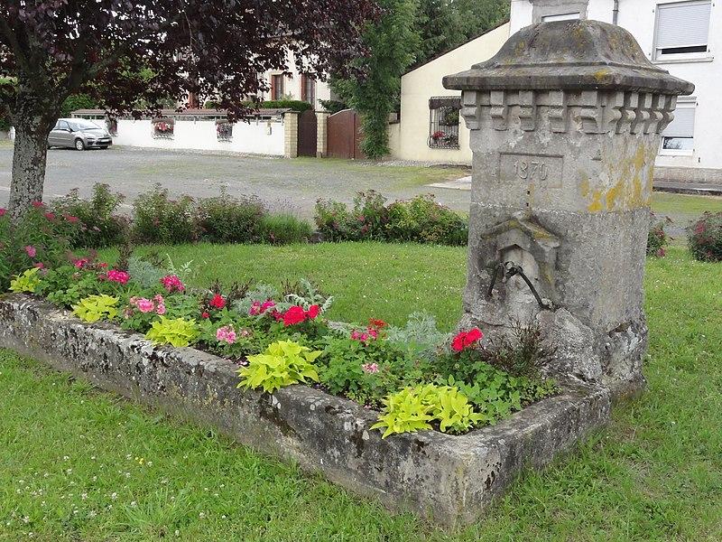 Vathiménil (M-et-M) fontaine B