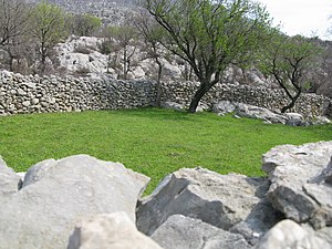 Grazing rights - Historically dry stone walls were used for managing and protecting sheep livestock which had been a major food staple in Dalmatia.