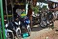 Vendeur de motos 03.jpg