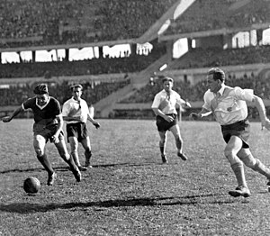 Vicente de la Mata - De la Mata playing against River Plate in 1939.