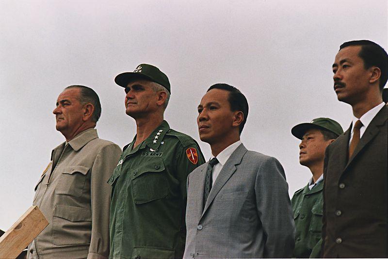 File:VietnamkriegPersonen1966.jpg