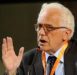 Vincenzo Visco - Festival Economia 2013.JPG