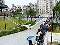 Visitors Line around Temple Plaza 20140705d.jpg