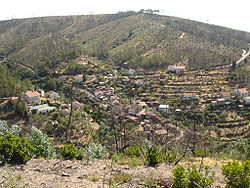 Vista general da aldeia do Esfrega.jpg