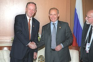 Canada–Russia relations - President Putin and Prime Minister Jean Chrétien meet in Okinawa Japan in 2000.