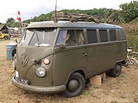 Volkswagen Type 2 (1966) (owner David Hyde).JPG