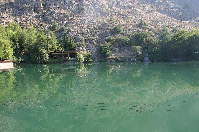 Крит. Озеро Вотомос