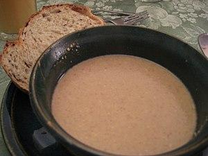 Walnut soup - A walnut soup with bread