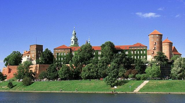 http://upload.wikimedia.org/wikipedia/commons/thumb/f/f0/Wawel2.jpg/640px-Wawel2.jpg