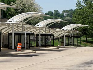West Falls Church station - Bus bays at West Falls Church station