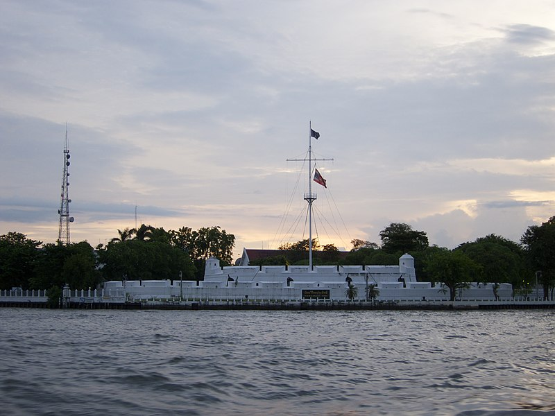 Wichai Prasit Fort, on the western bank of the Chao Phraya River