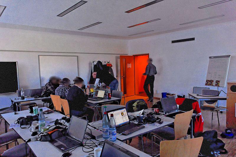 File:Wikipedia 12. Fotoworkshop by-RaBoe 14.jpg